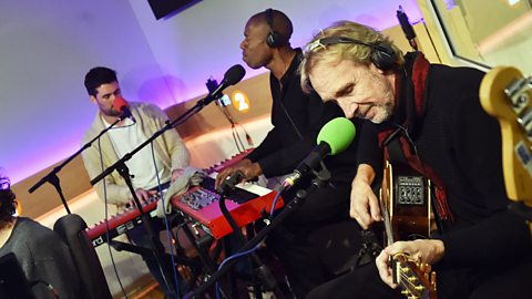Watch Mike + The Mechanics perform Lovely Day
