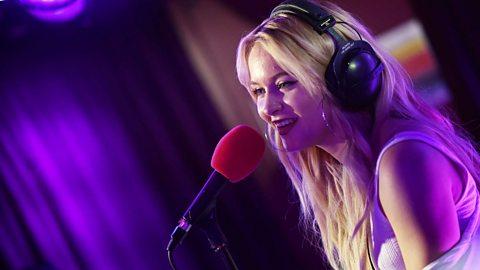 Zara Larsson -  Live Lounge