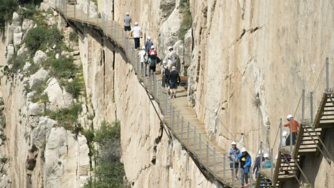 Is this Spain's scariest walkway?