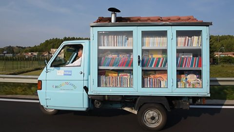 Is this Italy's smallest library?