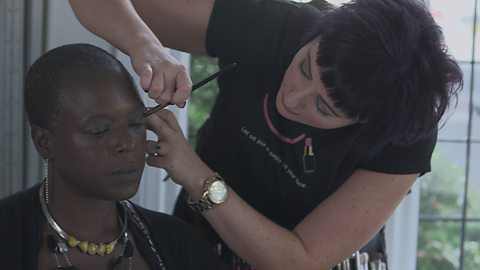 The make-up artist giving confidence to those with cancer