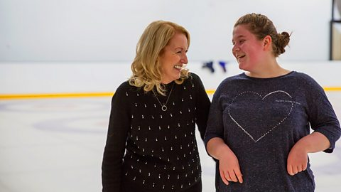 The teenage ice-skating champion who's going blind