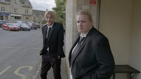 Deleted scene: Meet the Mucklowes - This Country