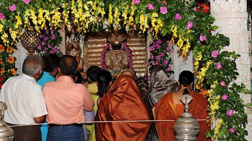 Jain devotees during Paryushan