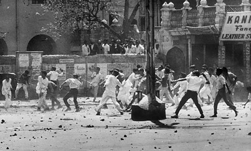 Riots between Hindus and Sikhs over the future of Punjab State