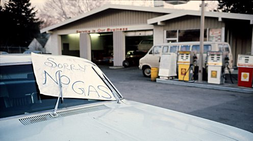 A sign saying 'no gas' at a US service station during the 1973 oil crisis.