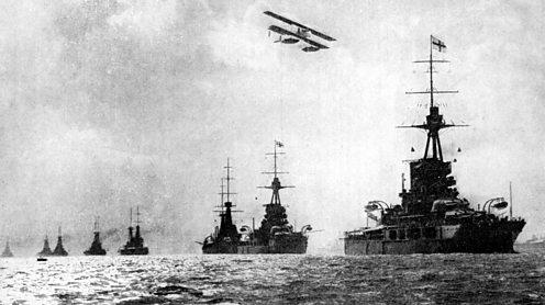 Illustration of the British fleet during WW1. Printcollector