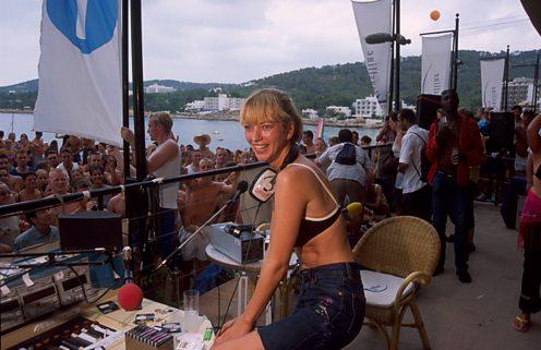 Sara Cox 2001