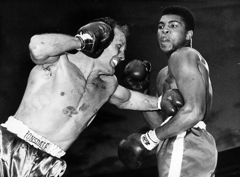 Henry Cooper fights Cassius Clay