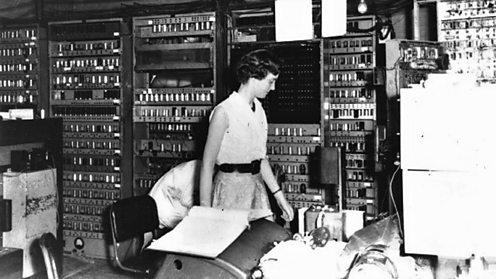 EDSAC I, R.Hill operating