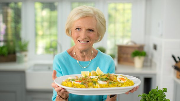 Bbc food recipes from programmes classic mary berry classic mary berry forumfinder Choice Image