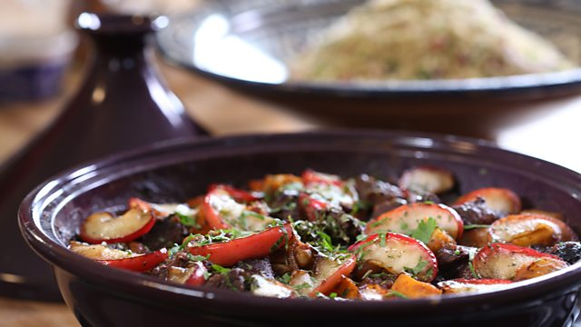 Beef and apple tagine