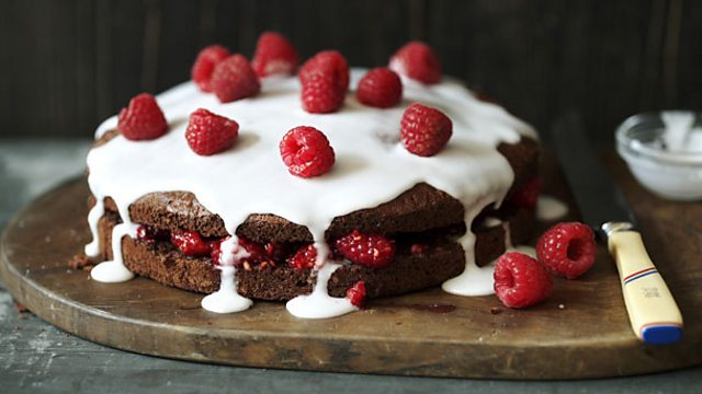 Low Fat Cake Recipes Uk: Low-fat Chocolate Sponge Cake Recipe