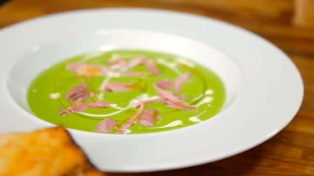 Ham hock and pea soup