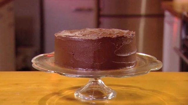 Easy chocolate cake recipe bbc food icing a cake with chocolate ganache forumfinder Gallery