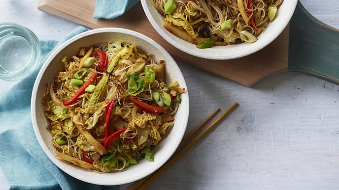 Rupy's Singapore noodles spice up Friday nights