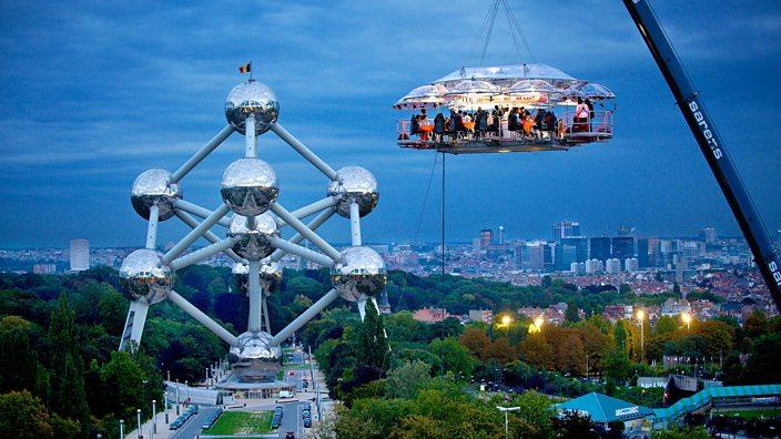Belgium's DinnerInTheSky restaurant