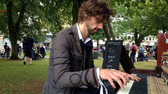 Bristol piano man Luke Howard