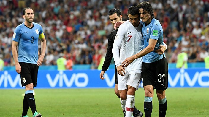 Ronaldo ushers Cavani off the pitch