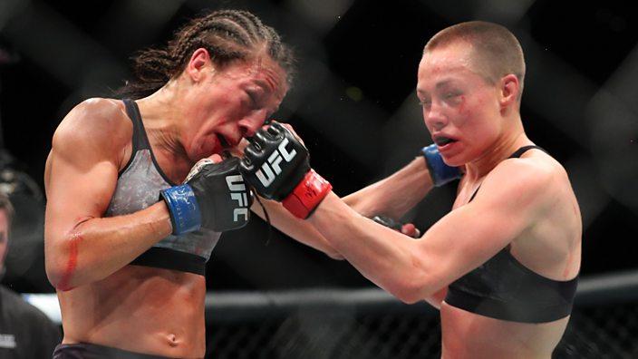 Joanna Jedrzejczyk and Rose Namajunas battle it out