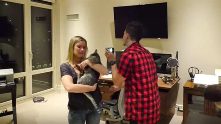 Jesse films Jeana after revealing that her cat has not died