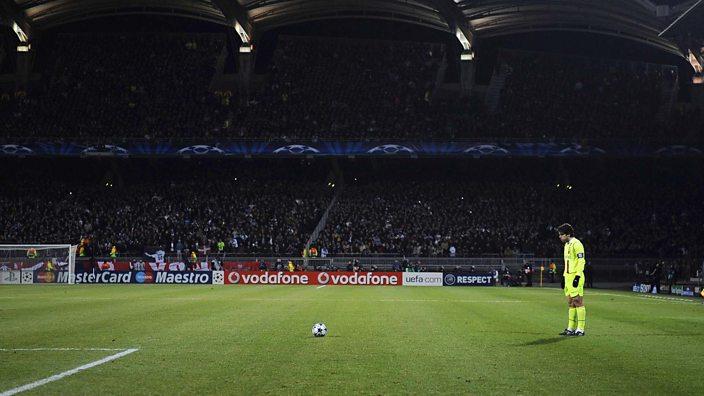 Juninho lines up a free-kick