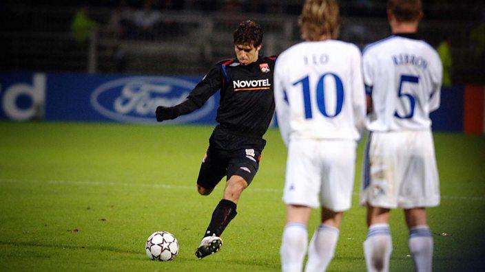 Juninho takes a free-kick against Dynamo Kiev
