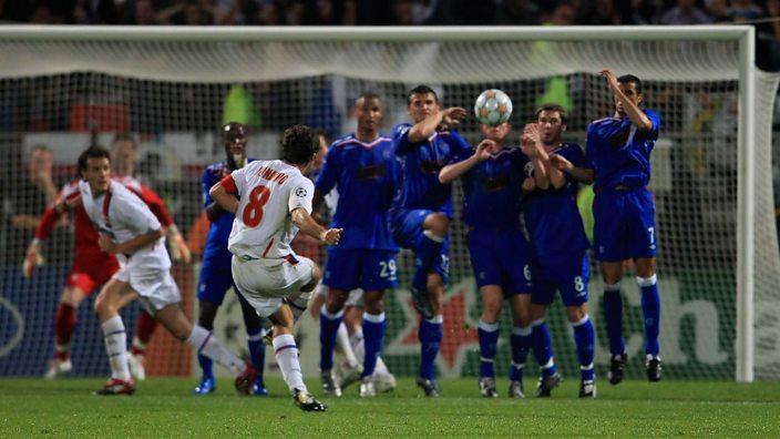 Juninho takes a free-kick against Rangers