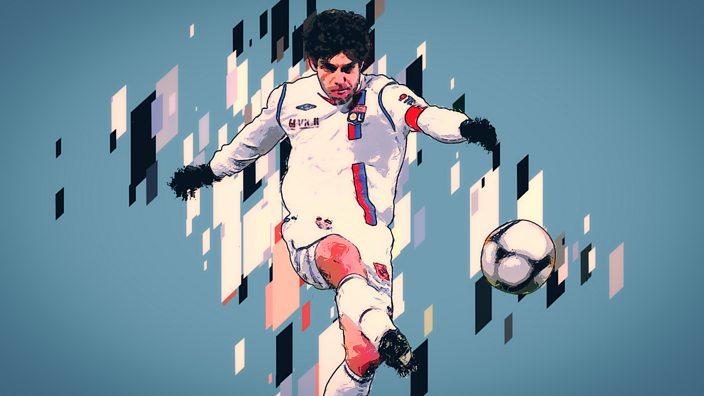 Juninho takes a free-kick