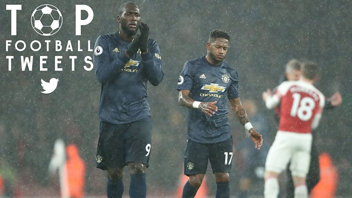 A dejected Romelu Lukaku and Fred of Manchester United after losing to Arsenal