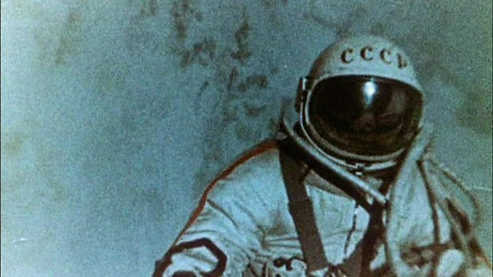 Alexei Leonov: First person to walk in space dies aged 85 2