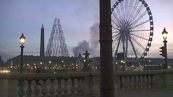 Fire Hits Ritz Hotel In Paris