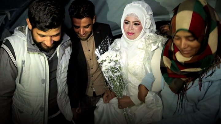 Wedding dress donated to Syrian refugees