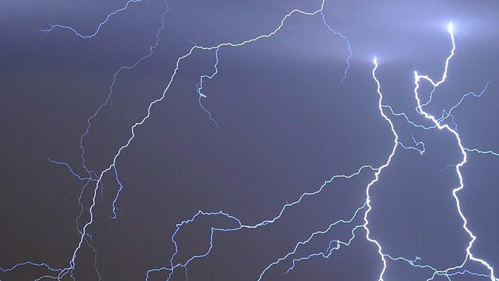 Helen Willetts explains why lightning strikes are so deadly in India & India lightning strikes leave 93 people dead - BBC News