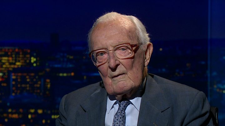 Former foreign secretary Lord Carrington dies at 99