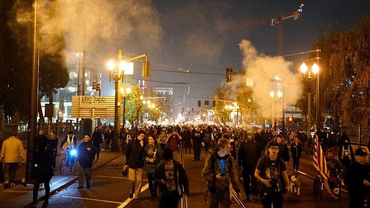 Clashes at anti-Trump protests in Oregon