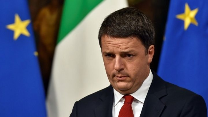 Italy referendum: Renzi risks populist wave