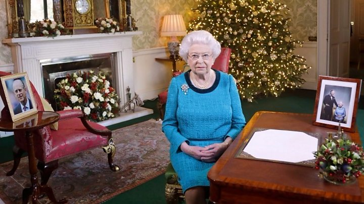 Queen\'s Christmas message: \'Small acts of goodness\' inspire - BBC News