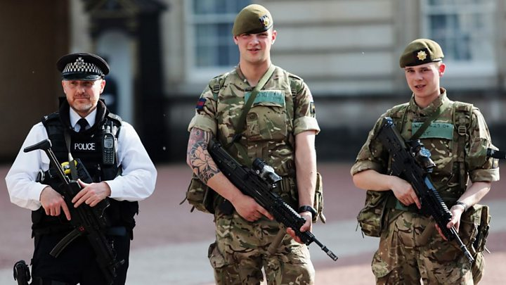Manchester attack: Police hunt 'network' behind bomber
