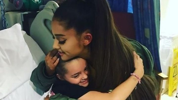 Manchester attack ariana grande visits injured fans bbc news m4hsunfo