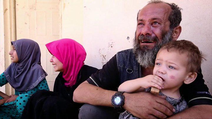 Mosul battle: IS kills 230 fleeing civilians, says UN