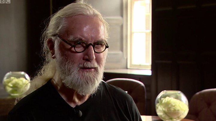 9c498dcffdd3ee Billy Connolly said he would not believe until people in Glasgow called him  Sir Billy