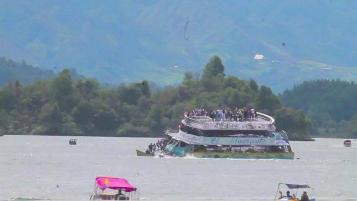 Nine killed as Colombia boat sinks