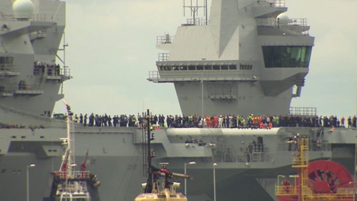 HMS Queen Elizabeth sets sail from Rosyth for sea trials