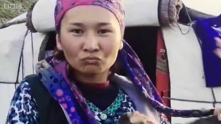 Эстрадной певице  изКиргизии угрожают отрезать голову из-за клипа