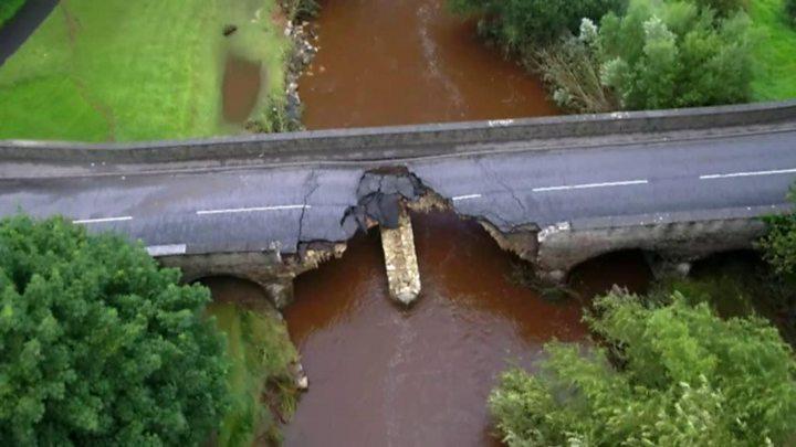 Northern Ireland floods: Derry Airport closed