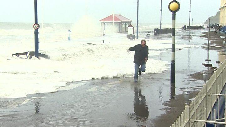 НаВеликобританию обрушился шторм «Брайан»