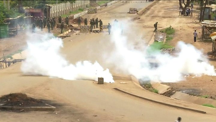 Kenya's controversial election re-run to go ahead amid tight security Kenya's controversial election re-run to go ahead amid tight security p05kyppb