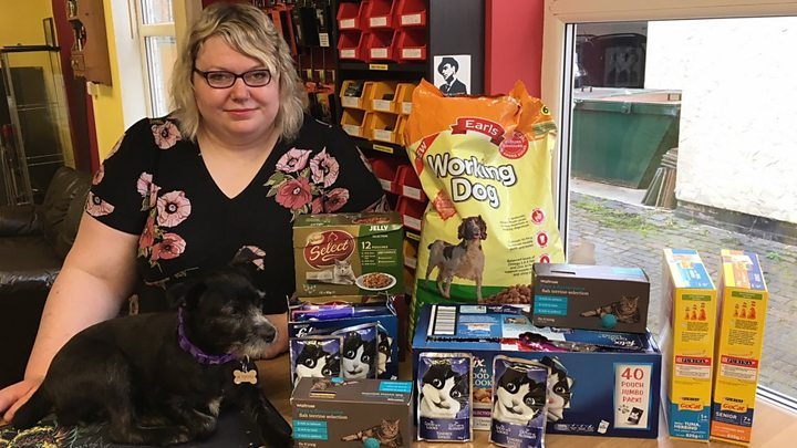 Food banks for pets: The people helping hard-up animal lovers