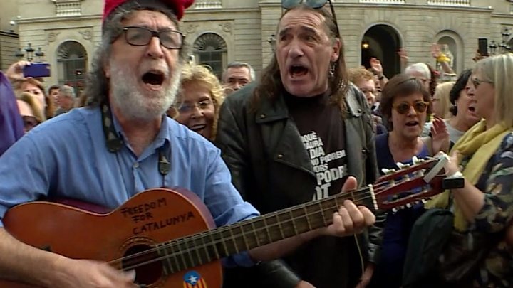 Spain Catalonia: Barcelona rally urges prisoners' release